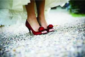 scarpe rosse sposa