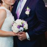 sposo e sposa in viola
